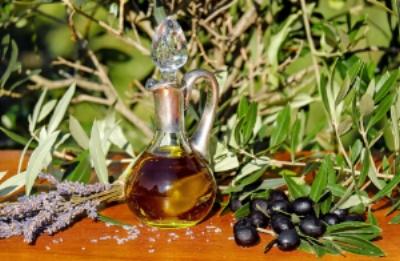 olive-oil-1596417_1920.jpg