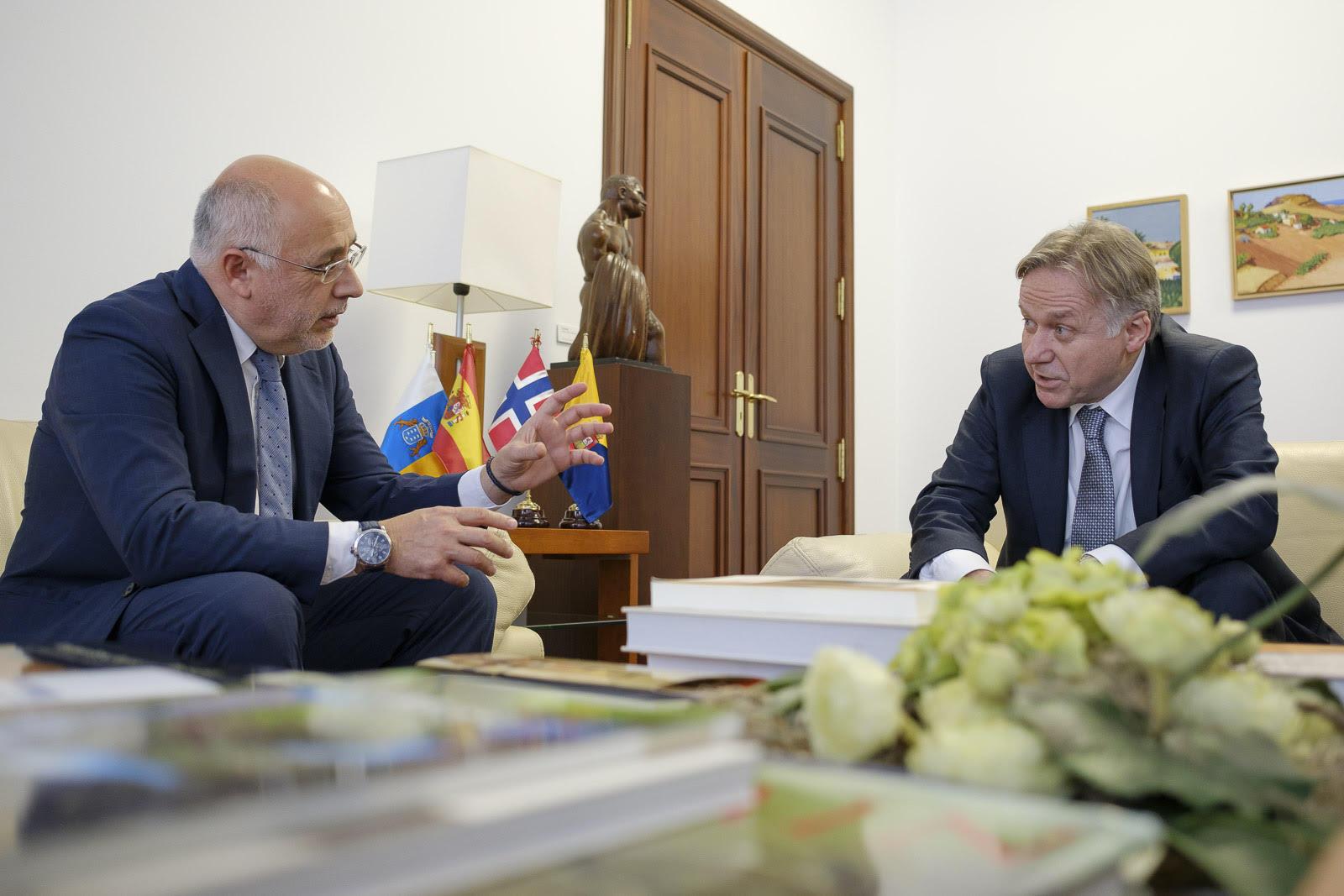 Embajador Noruega 2.jpg