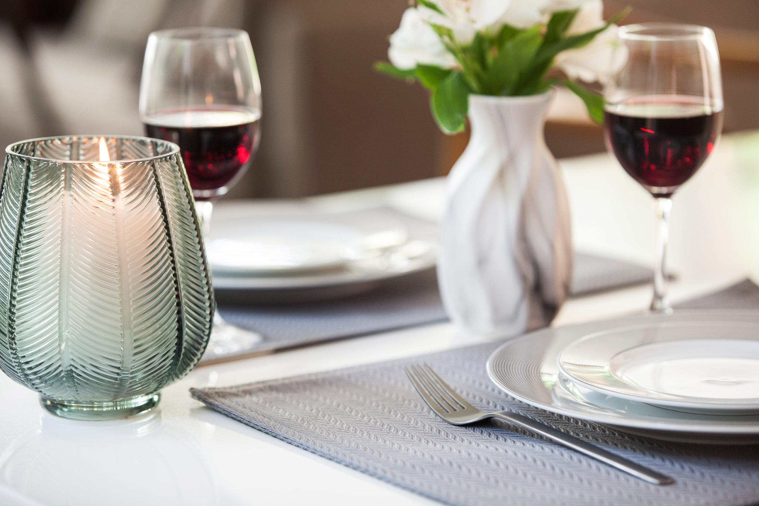 MESA - Sirva com estilo e praticidade com nossa linha completa de toalhas de mesa, panos de copa e acessórios de cozinha.