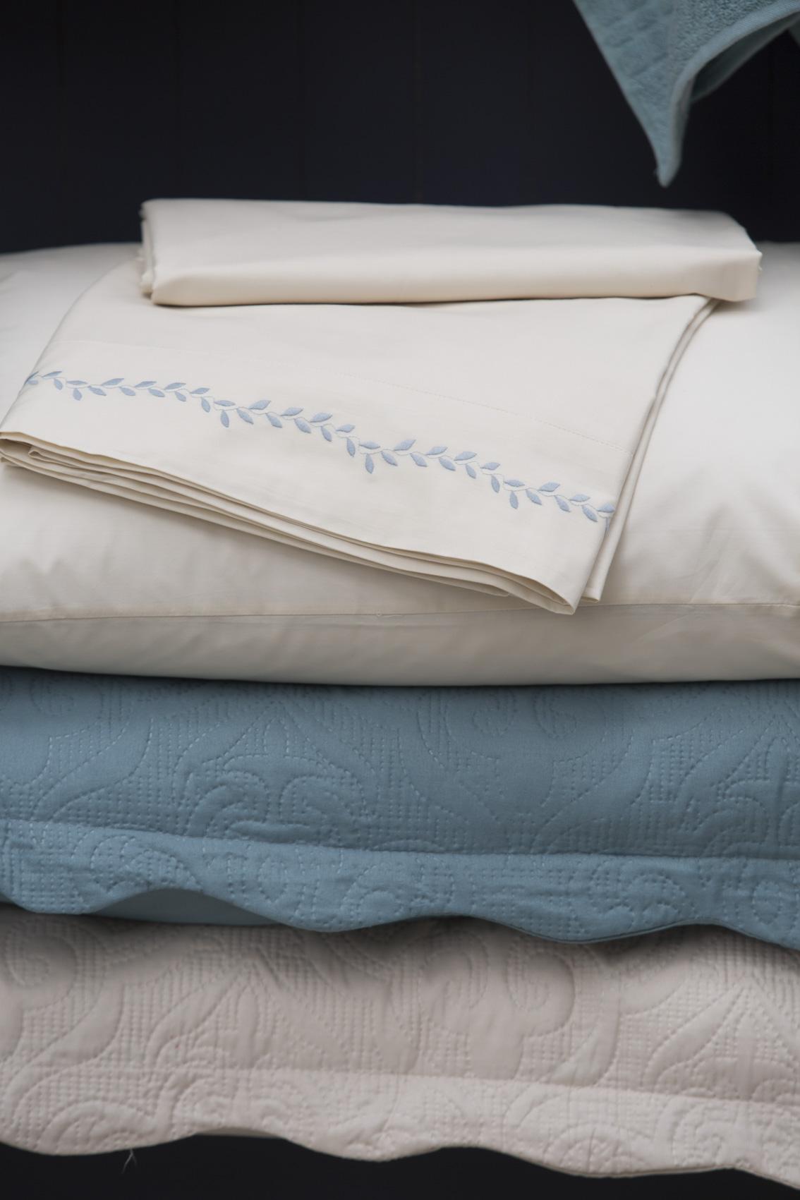 Cuidados essenciais com a roupa de cama branca