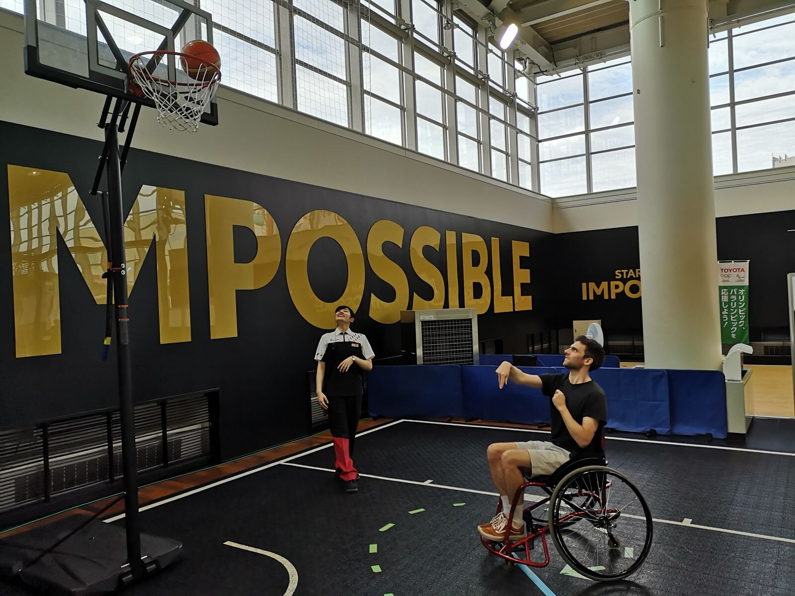 (Reporter Tom Ellis, trying out Wheelchair Basketball in Tokyo)