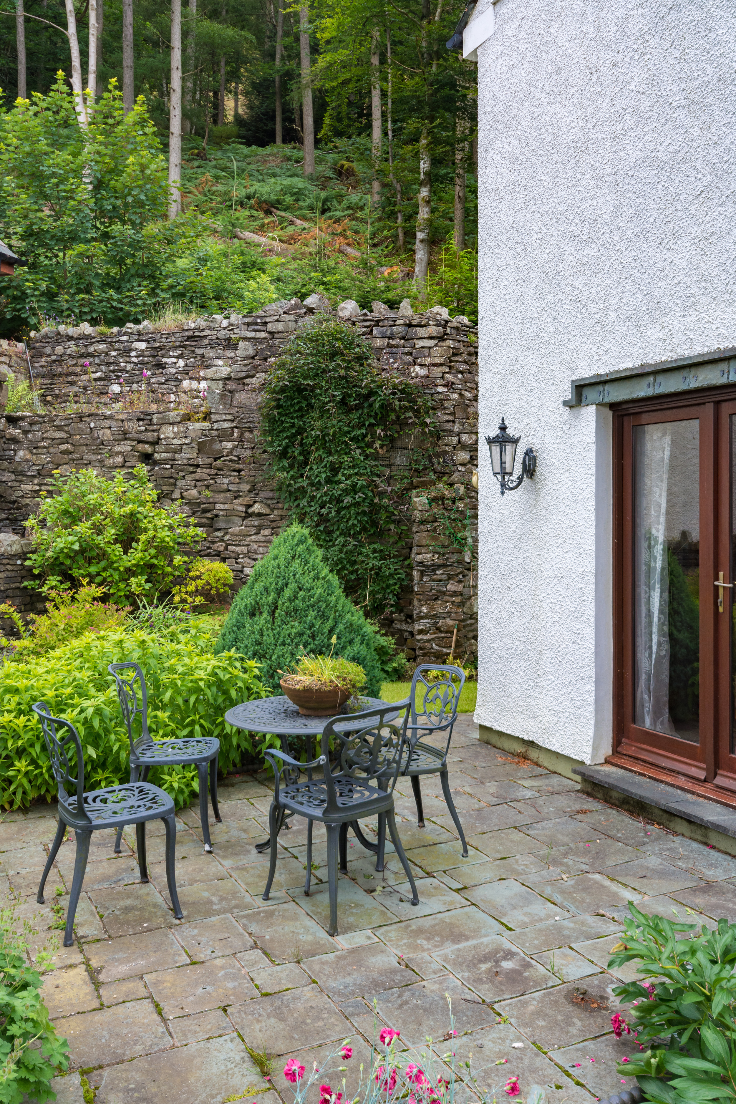 Patio Seating Area - Beech Nook Thornthwaite, Keswick Holidays Self Catering.jpg