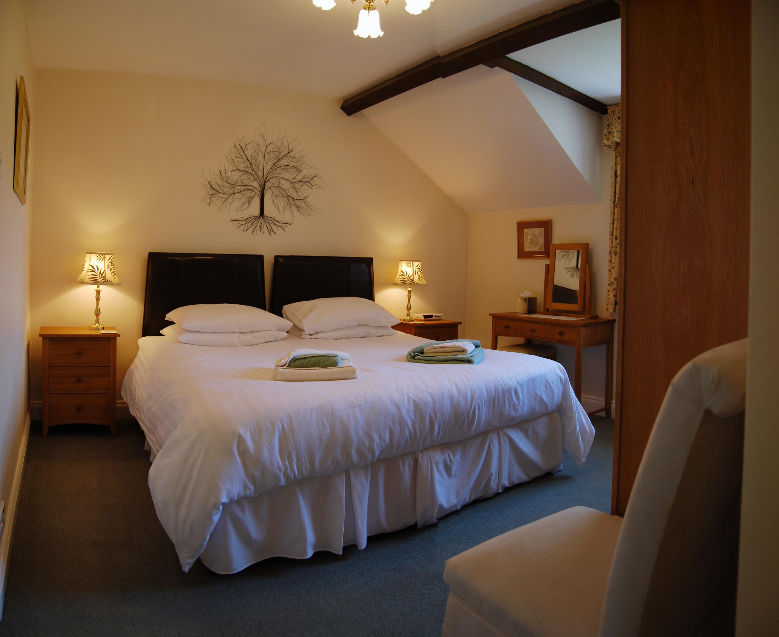 Derwent Cottage Mews bed.JPG