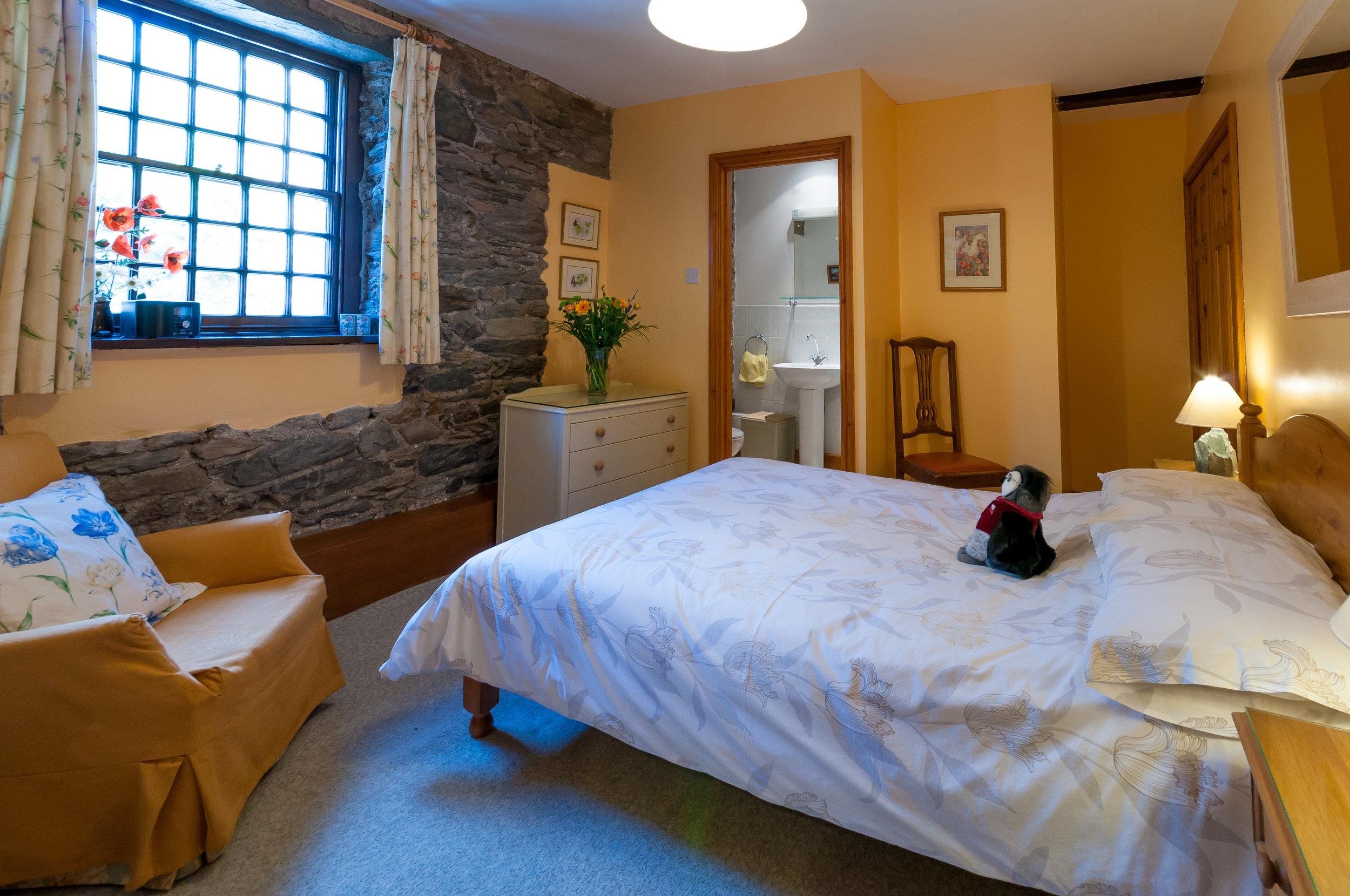 Millbeck+Cottage+Keswick+Holidays+Self+Catering+Ensuite+Master+Bedroom.jpg