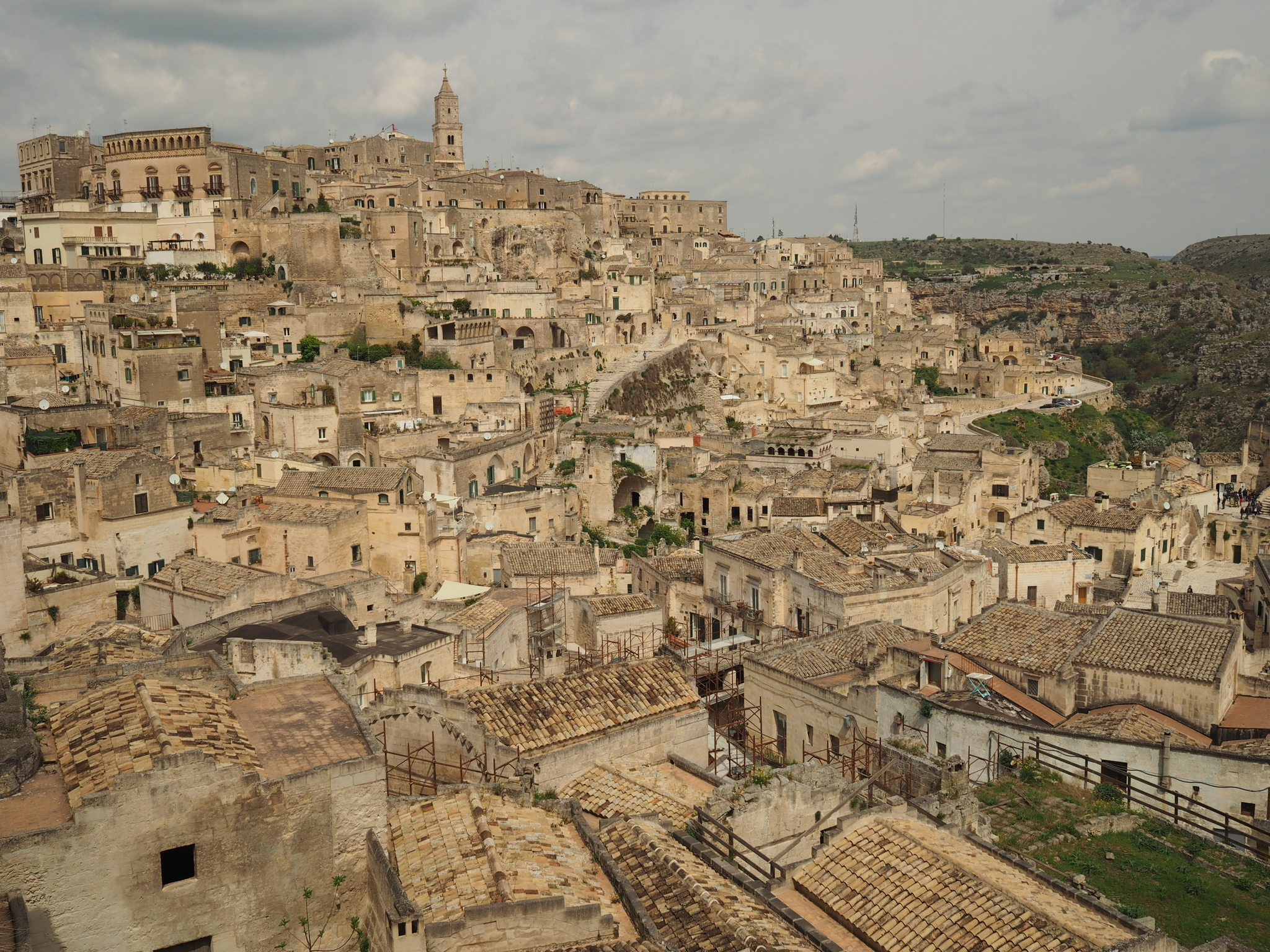 Matera at f/8. Sharp like old concrete and tile.