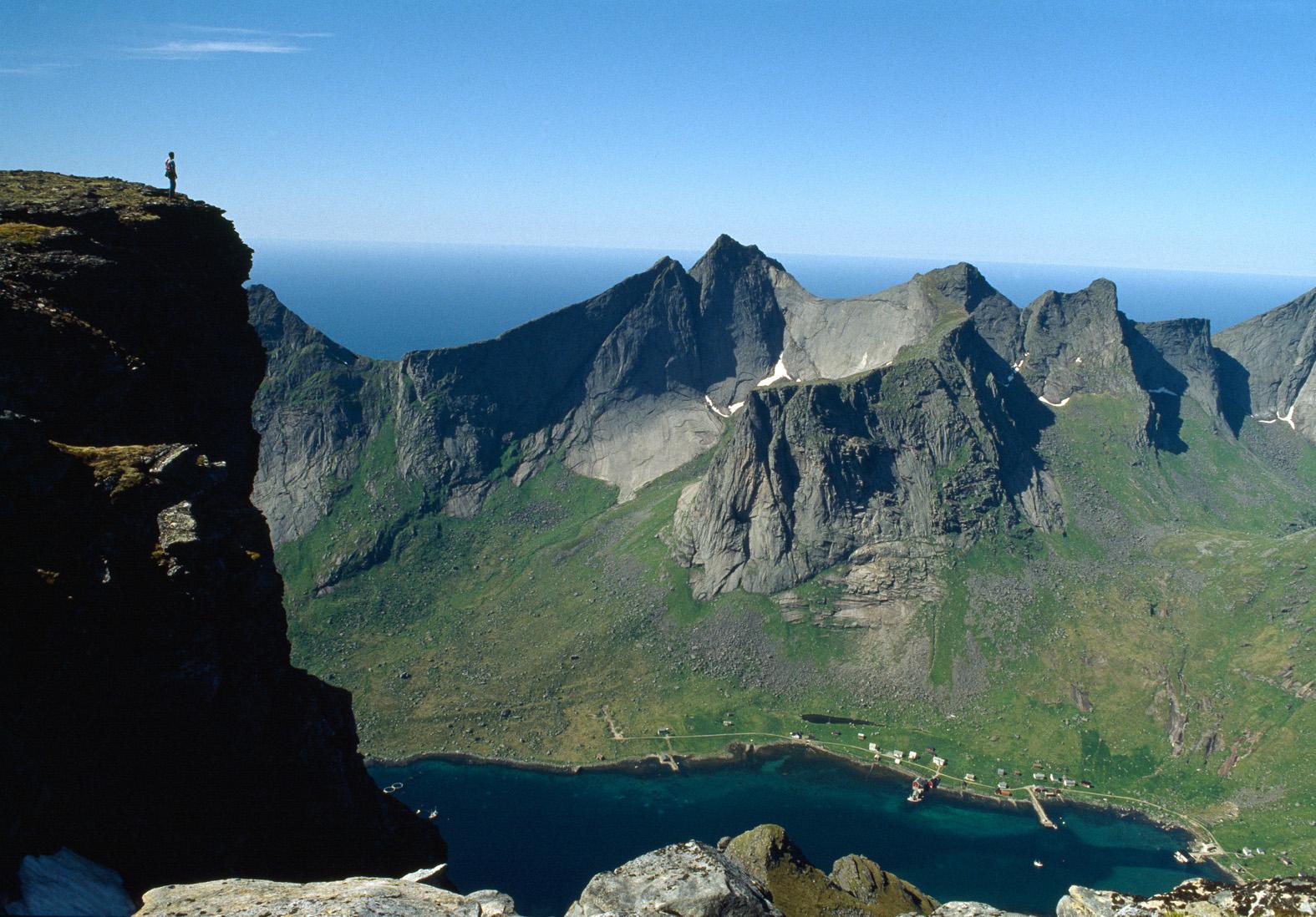 10.Lofoten spazi Seiltinden.jpg
