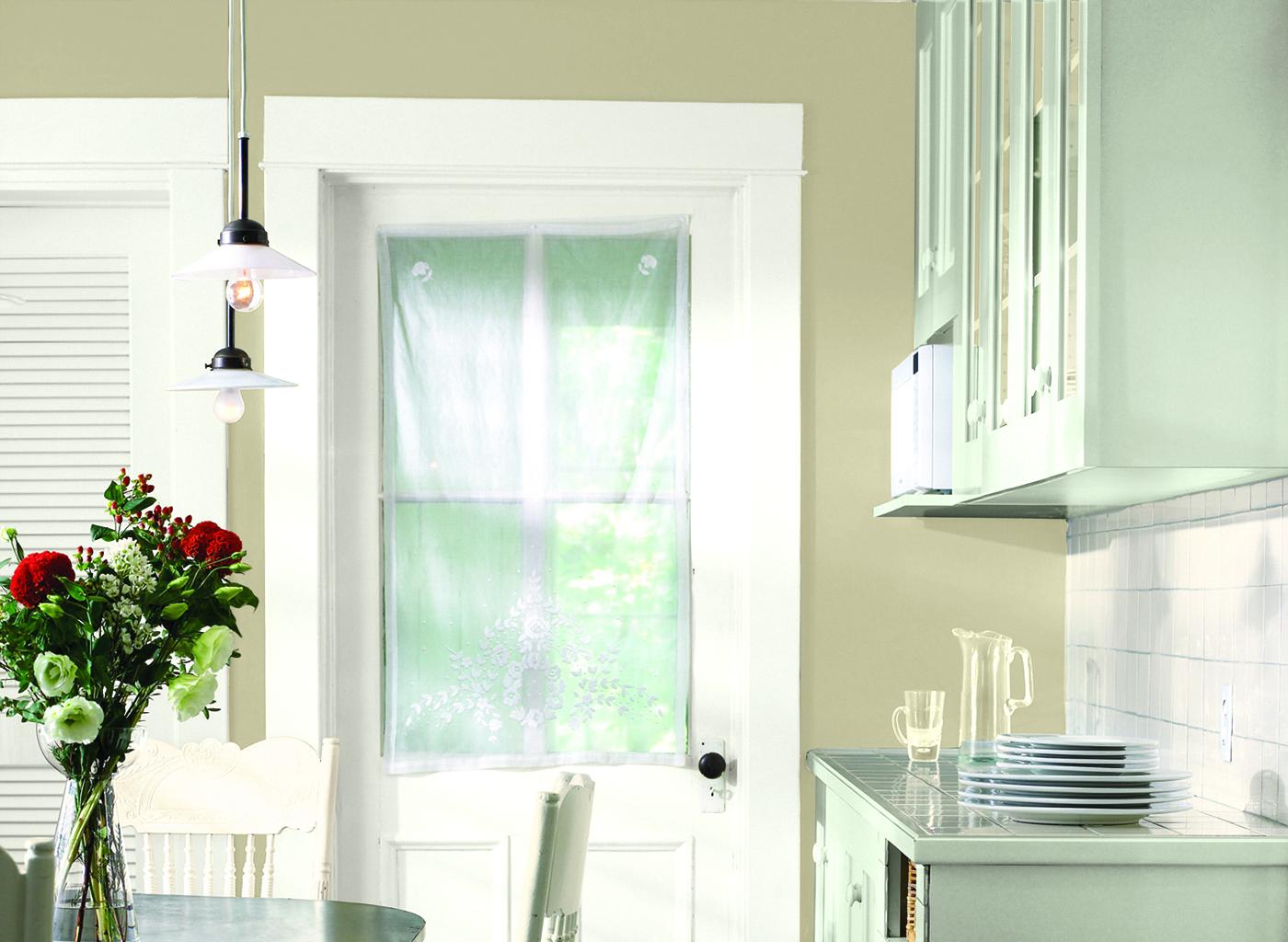 Glidden_CIL_warmneutral_kitchen_jeffersonhousetan.jpg