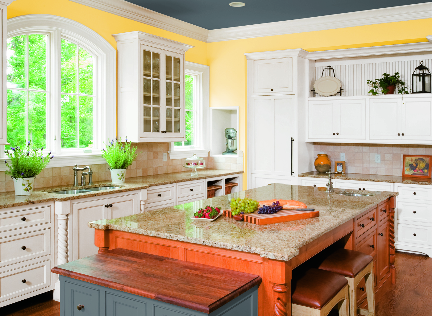 Glidden_CIL_yellow_kitchen_jonquilyellow.jpg