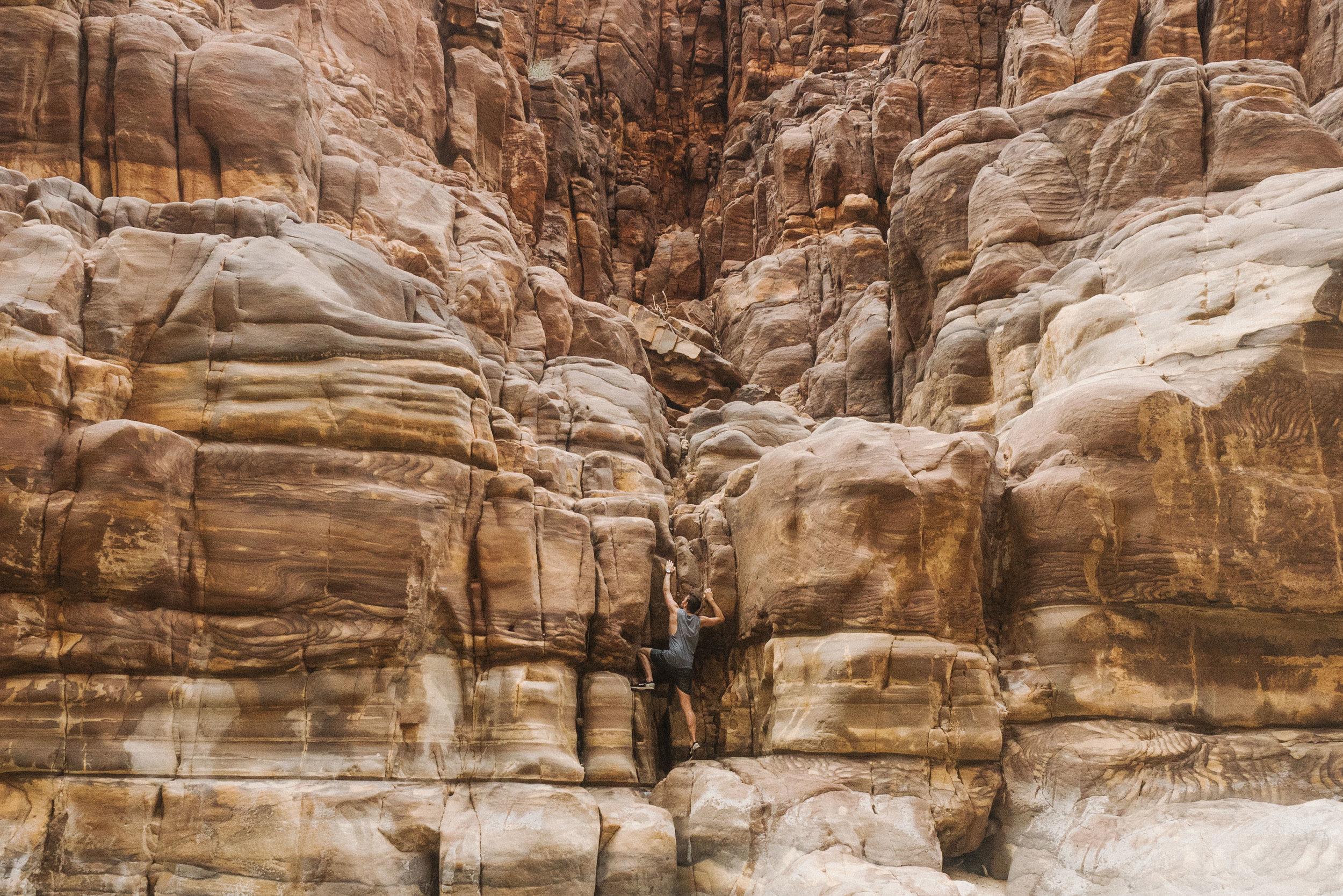 rock-climbing-wadi-mujib-jordan