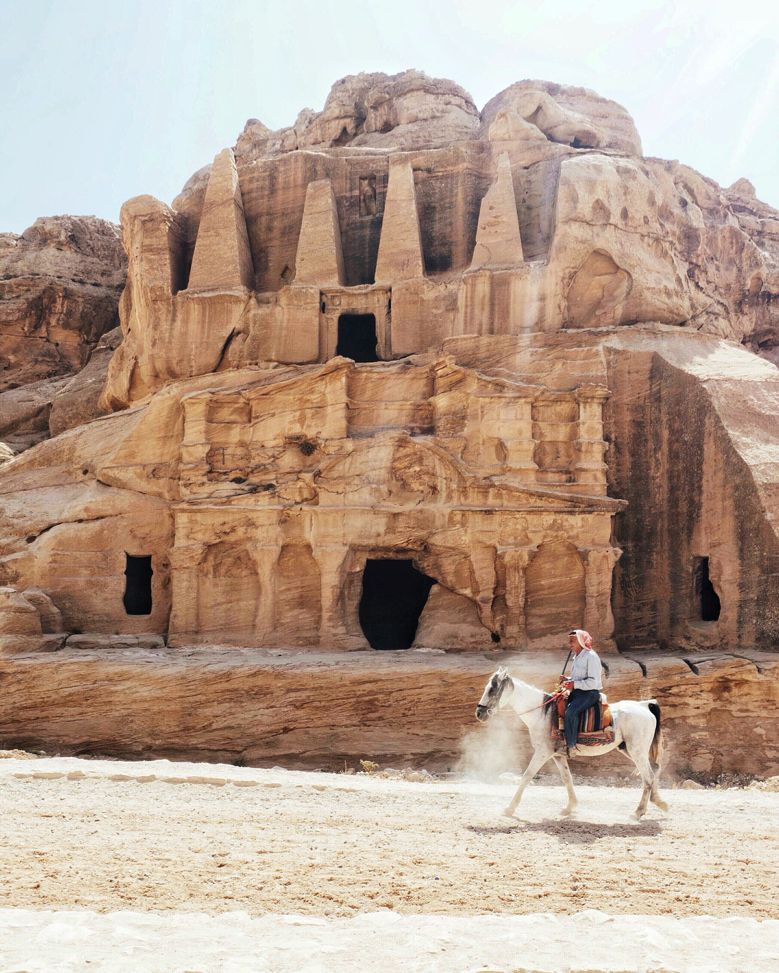 Horse-ride-through-petra-jordan