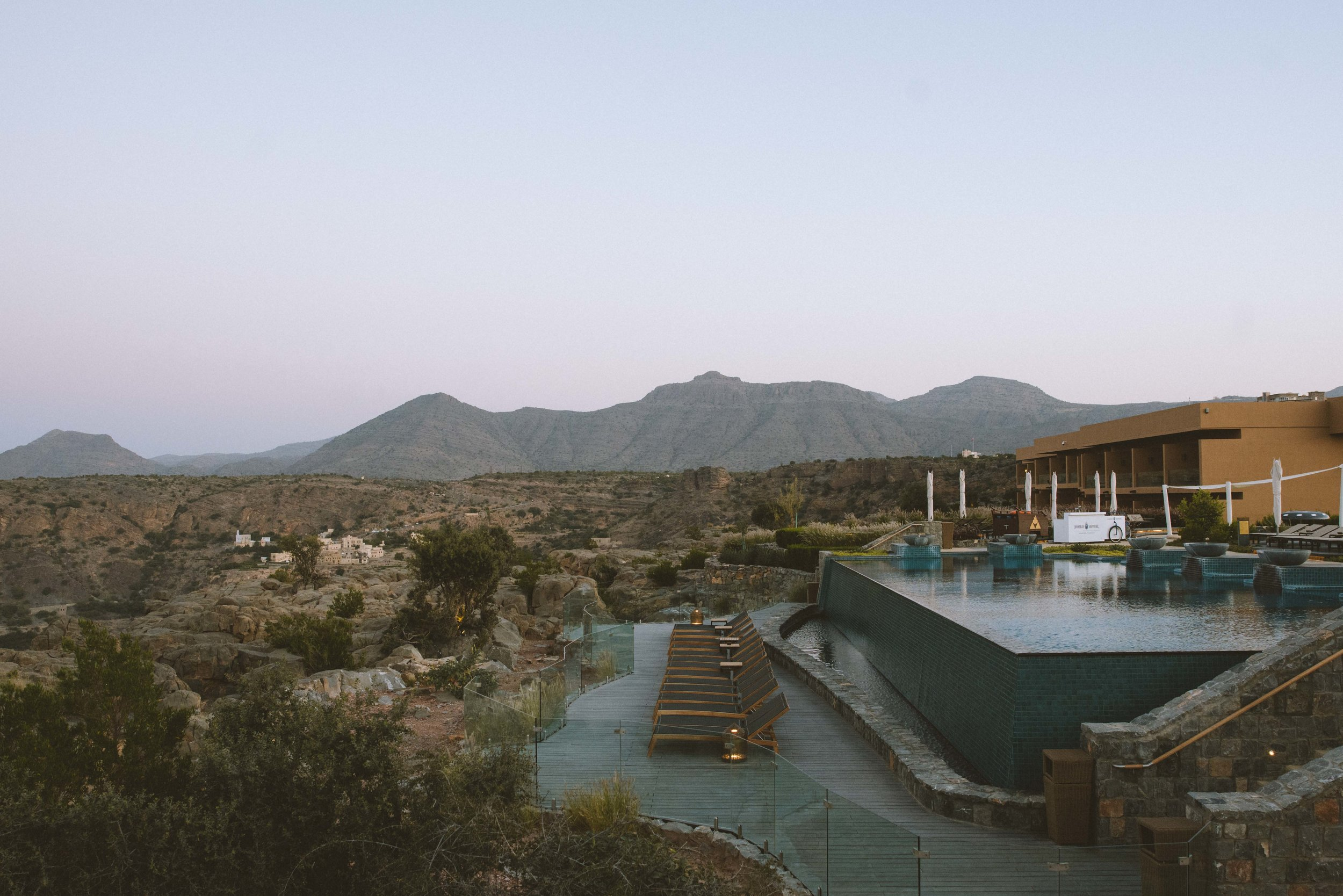 infinity-pool-luxury-hotel-oman