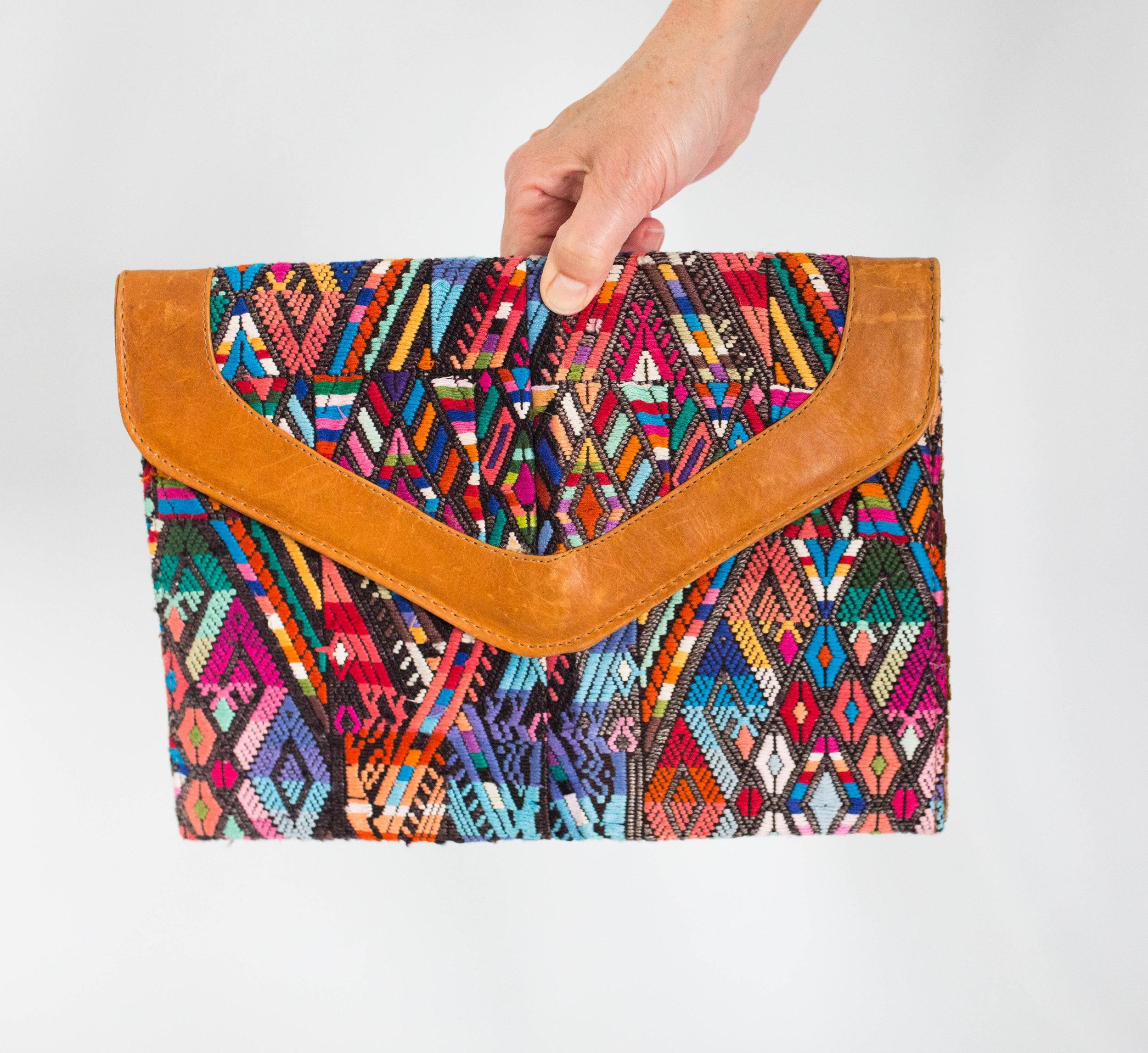 Hazlo Handmade Guatemala Fair Trade Hand Woven Leather Bags Accessories Belts Antigua Slow Fashion Purse Jewelry1808.jpg