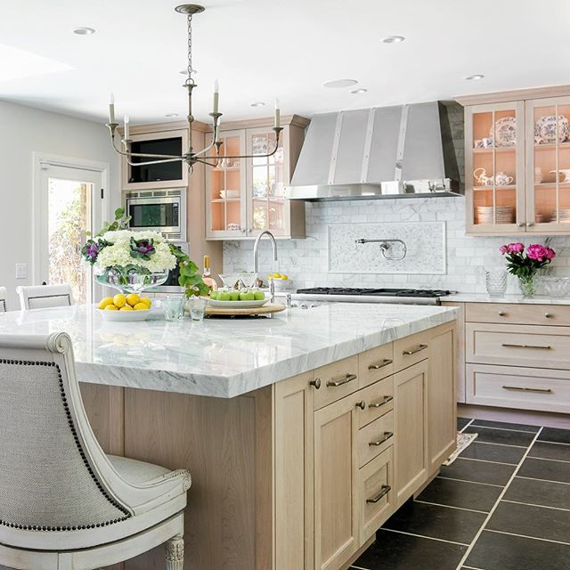 The Nichols Hills Kitchen Tour is this Sunday from 11-5pm. Be sure to stop by and see this gorgeous kitchen at one of the 6 houses. You can get tickets at www.ocmsalliance.org . Design: @gantmckenziedesign  Photo: @sarahstrunkphoto . #kittens #kitchendesign #kitchenremodel #beforeafter #pretty #design #designer #luxury #luxurylifestyle #luxuryrealestate #lux #interiordesign #photography #photographer #okcphotographer #okc #oklahoma #nicholshills #inlove