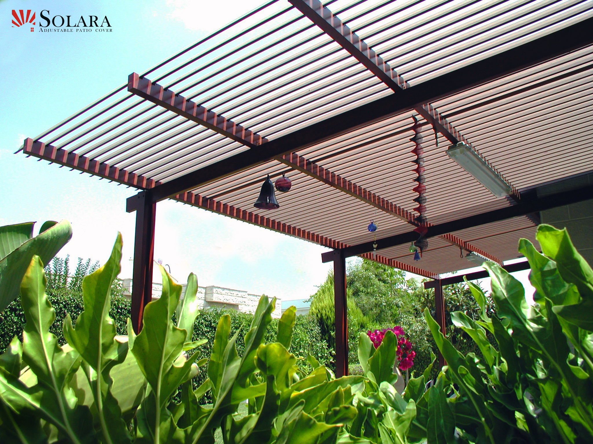 Adjustable-Aluminum-Louvered-Roof-System-is-easy-to-clean.jpg