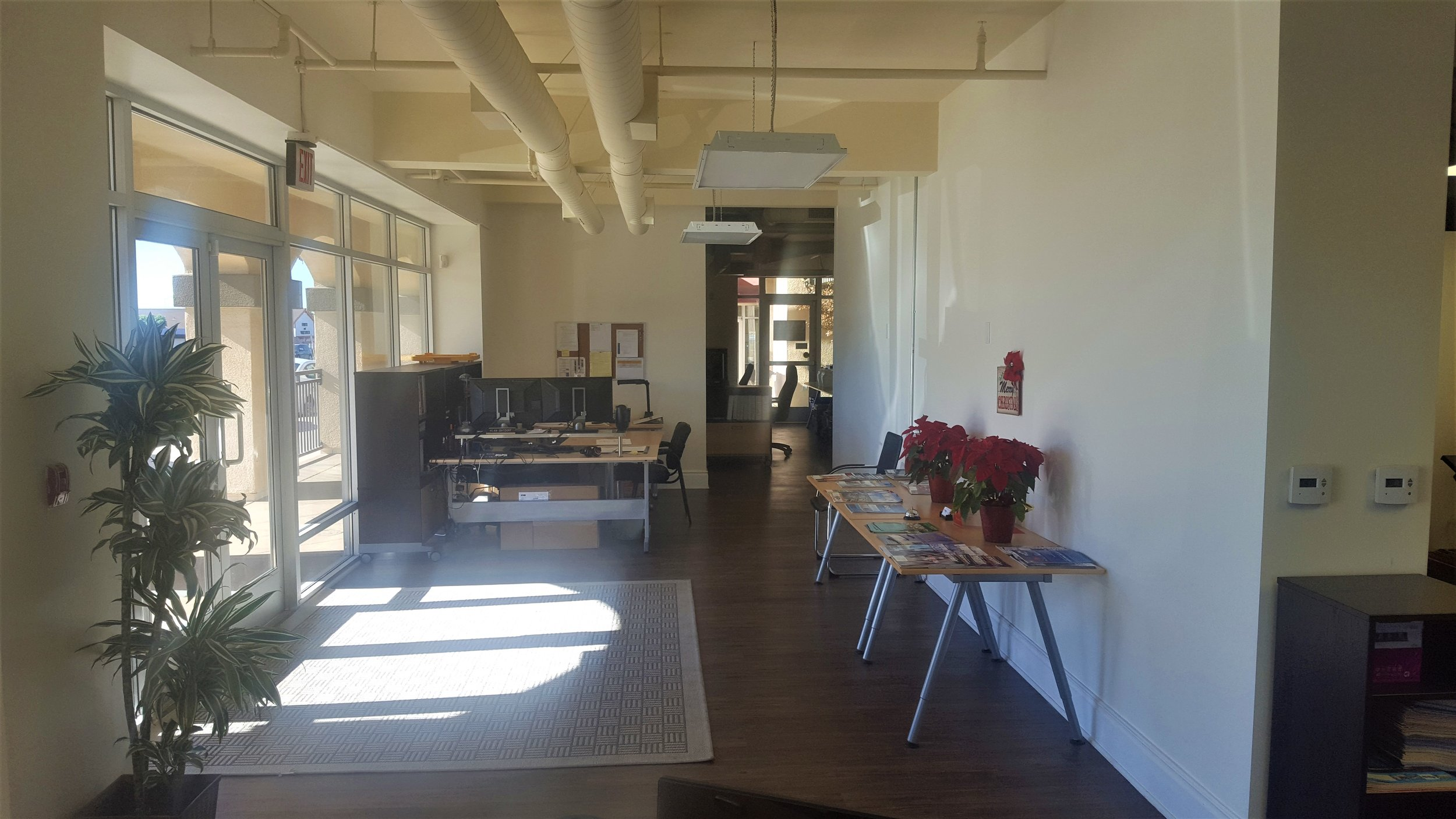 Picture of the lobby in the Glendora California office.