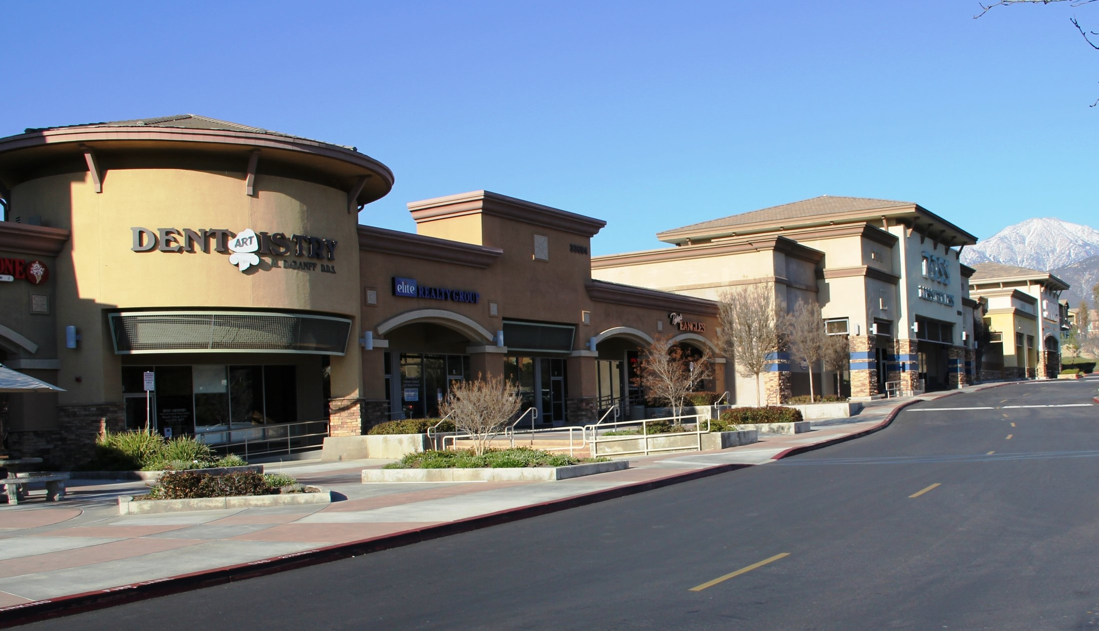 Picture of neighborhood commercial retail center.