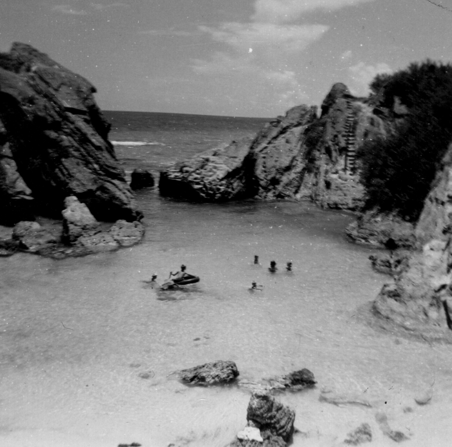 Manser family's favorite beach in Bermuda, Jobe's Cove