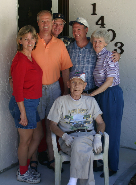 Last family picture taken in 2004, Fruitland Park, Florida:  Cathie, Leslie, Jimmy, Donnie, and Mom & Dad