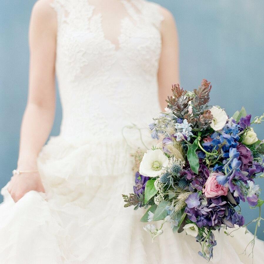 urban chateau wedding bouquet