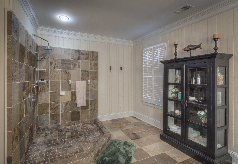 040 master-bath-shower.jpg