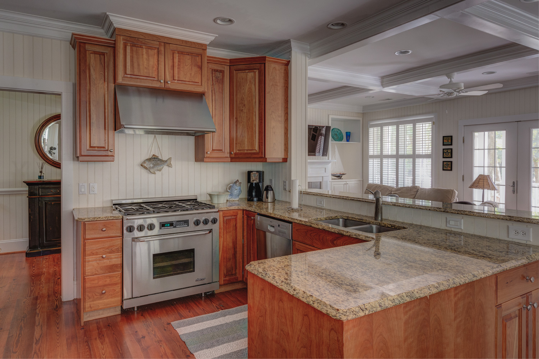 080 kitchen-sink.jpg