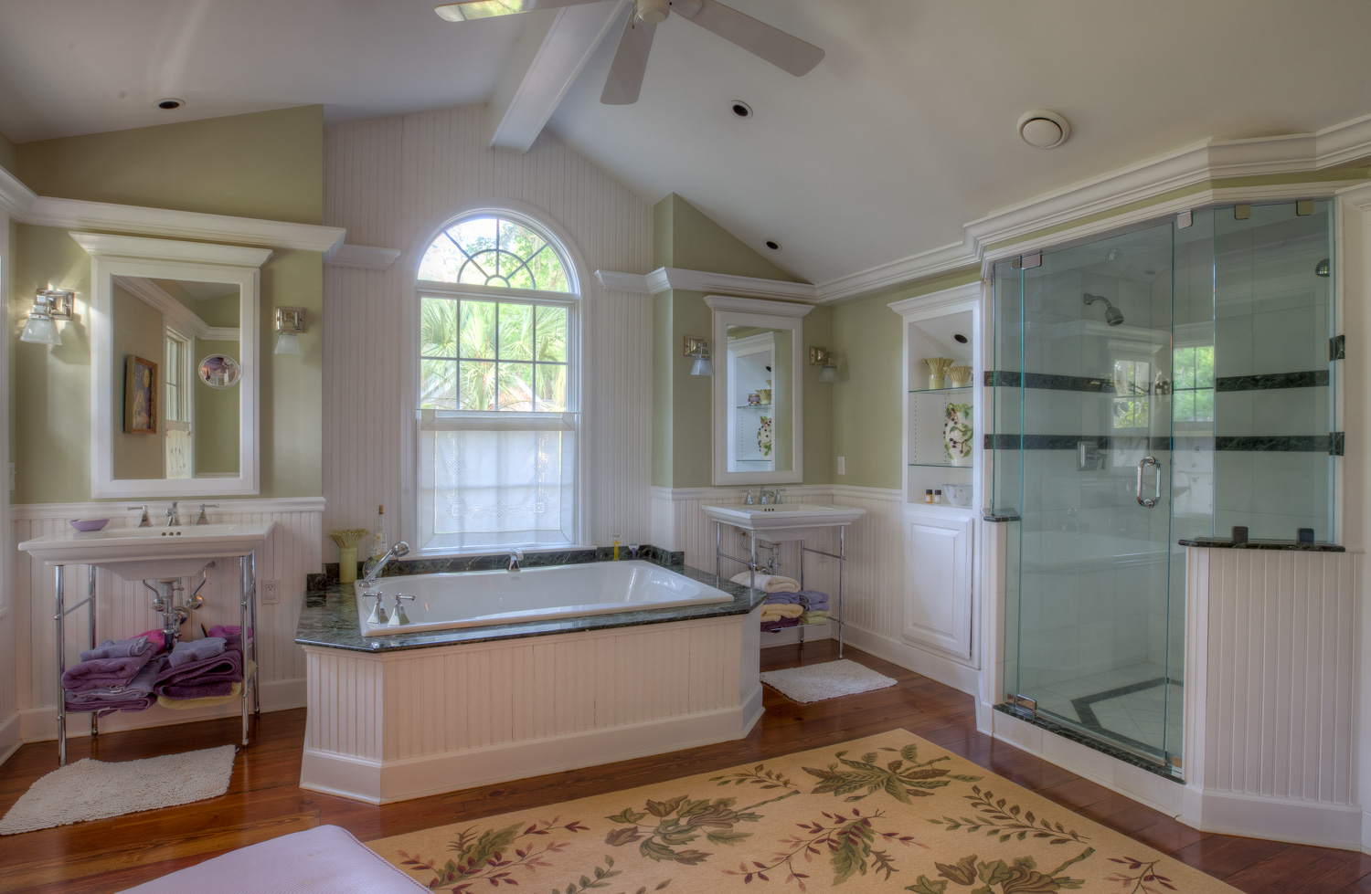 210 master-bathroom-PS1.jpg