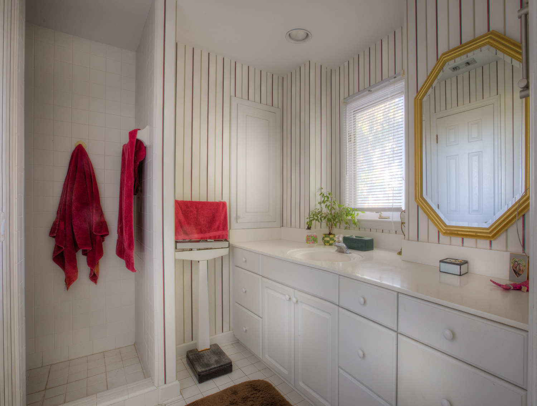 210 master-bathroom-PS1.jpg