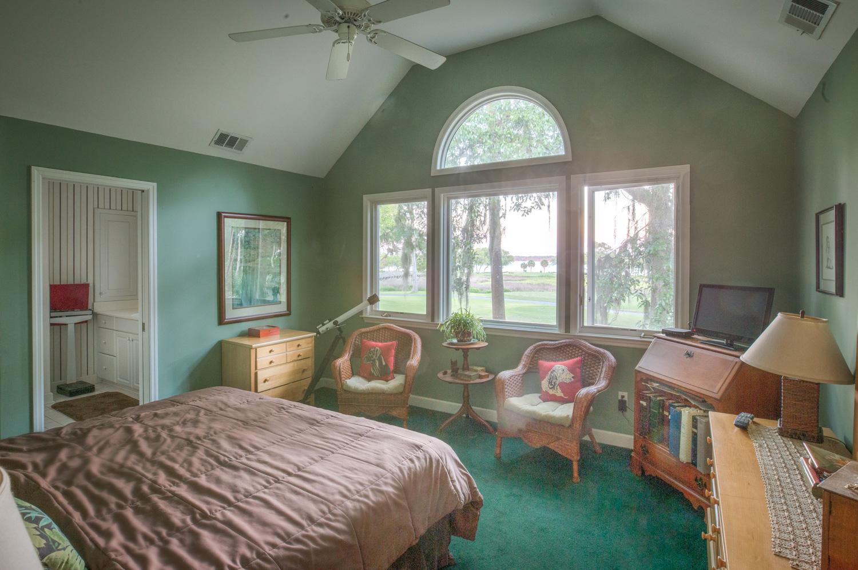 200 master-bedroom-PS1.jpg