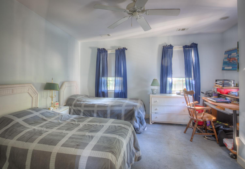 260 upper-bedroom-EXT.jpg