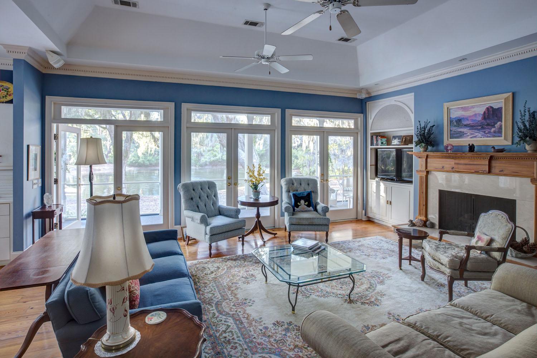035 living-room-window.jpg