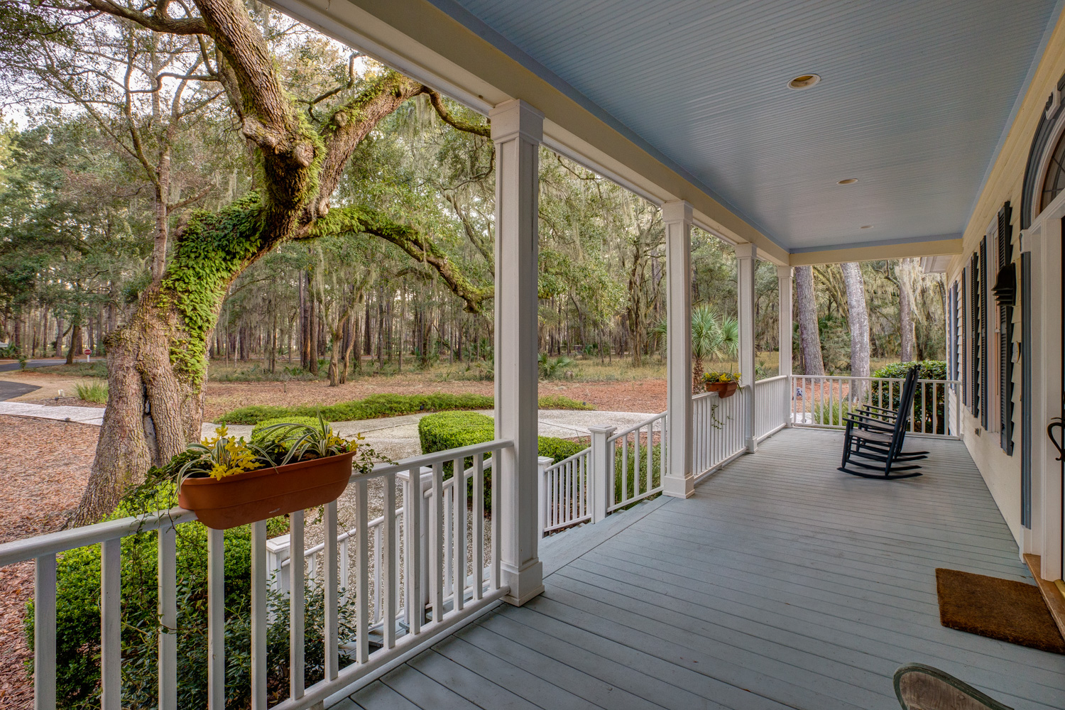 040 front-porch-chairs.jpg