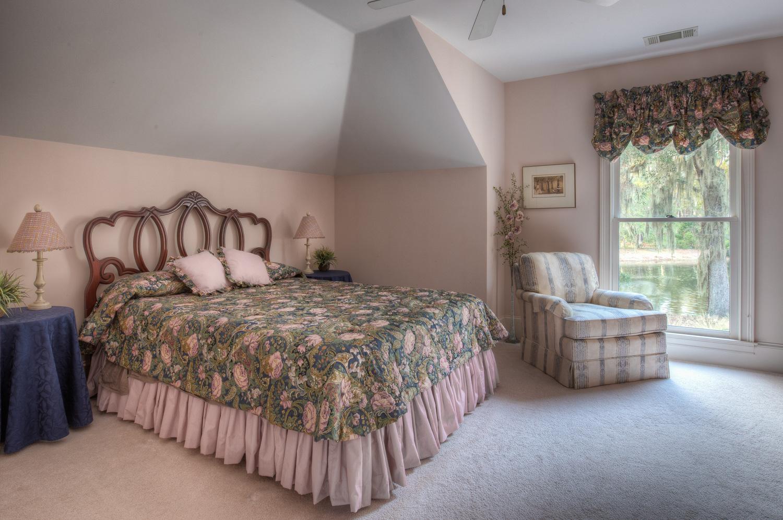 230 bedroom-PS1.jpg