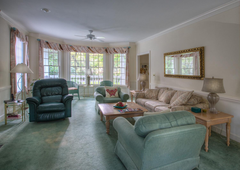 050 living-room.jpg