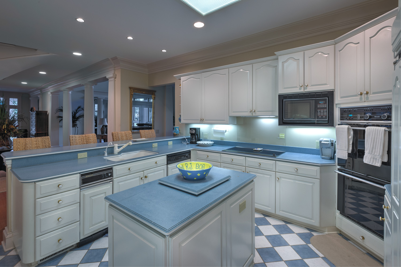 080 kitchen-out.jpg