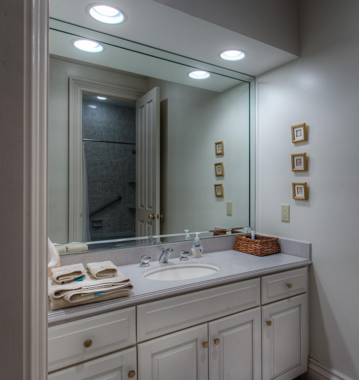 530 bath-two.jpg