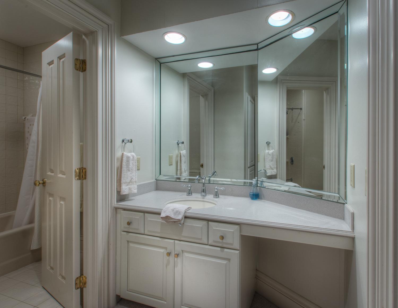 550 bath-three.jpg