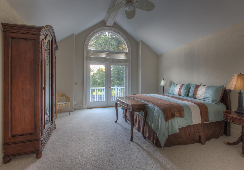 410 master-bedroom.jpg