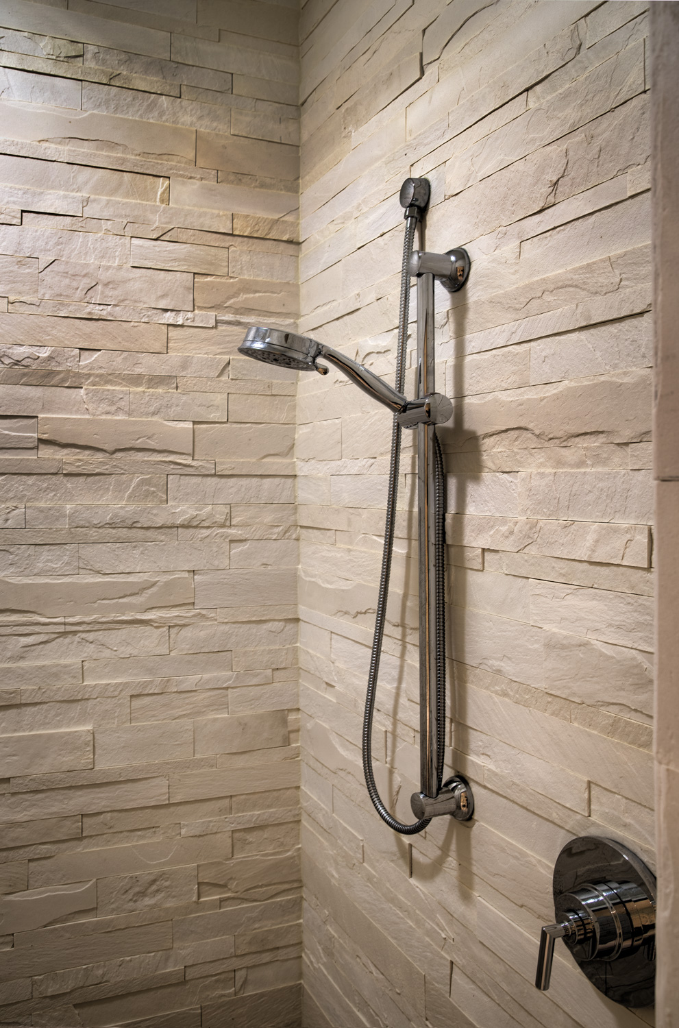 240 master-bathroom-detail.jpg