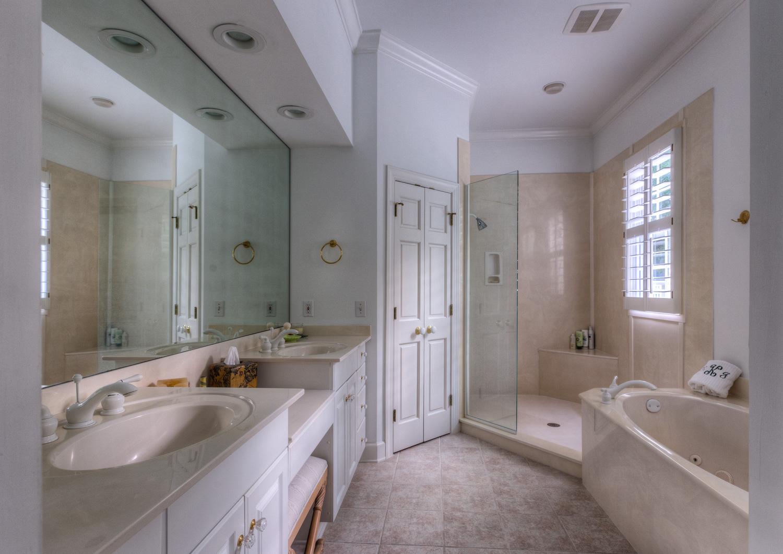 310 upper-master-bath-PS1.jpg