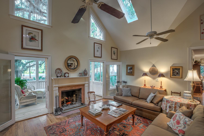 150 living-room.jpg