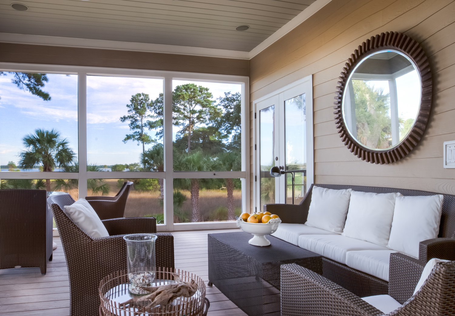 090 screened-porch-PS2.jpg