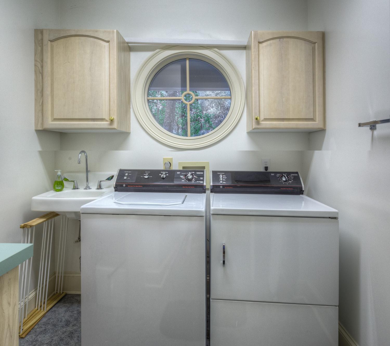 215 laundry-room.jpg