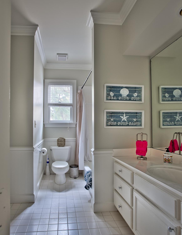 240 hall-bath.jpg