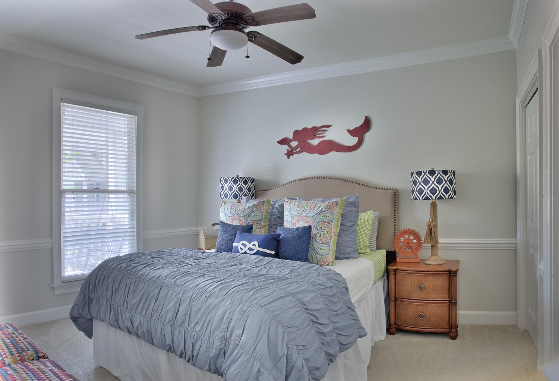 160 lower-bedroom.jpg