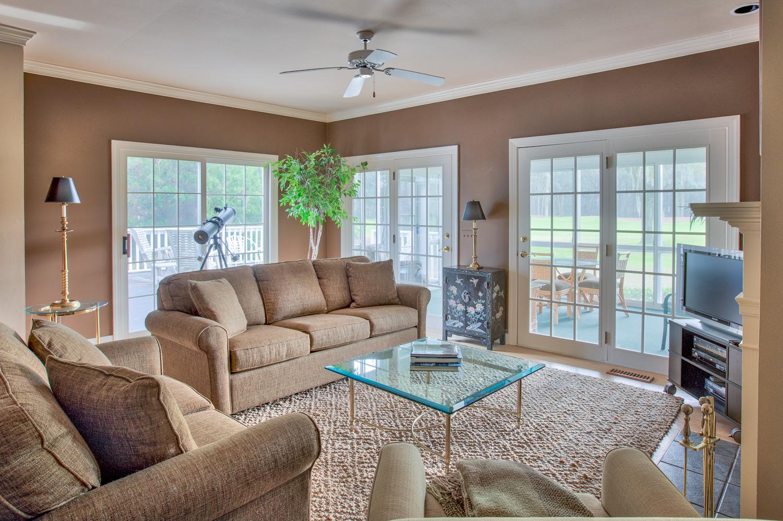 030 living-sofa.jpg