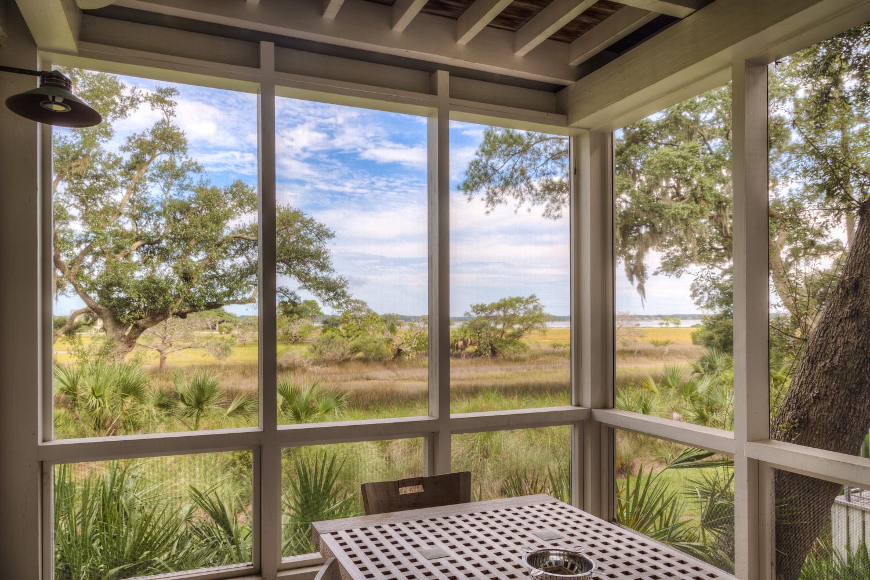 020 screened-porch.jpg