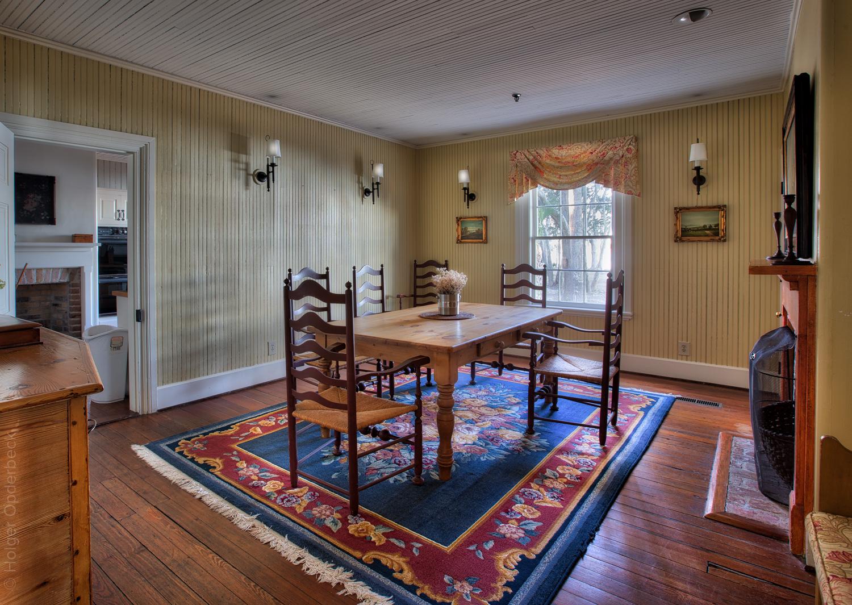 070 dining-room.jpg