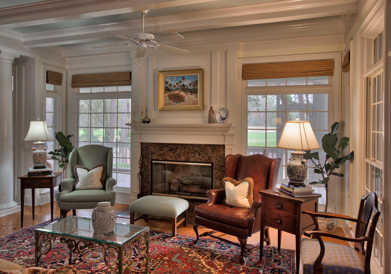 110 living-room-right.jpg
