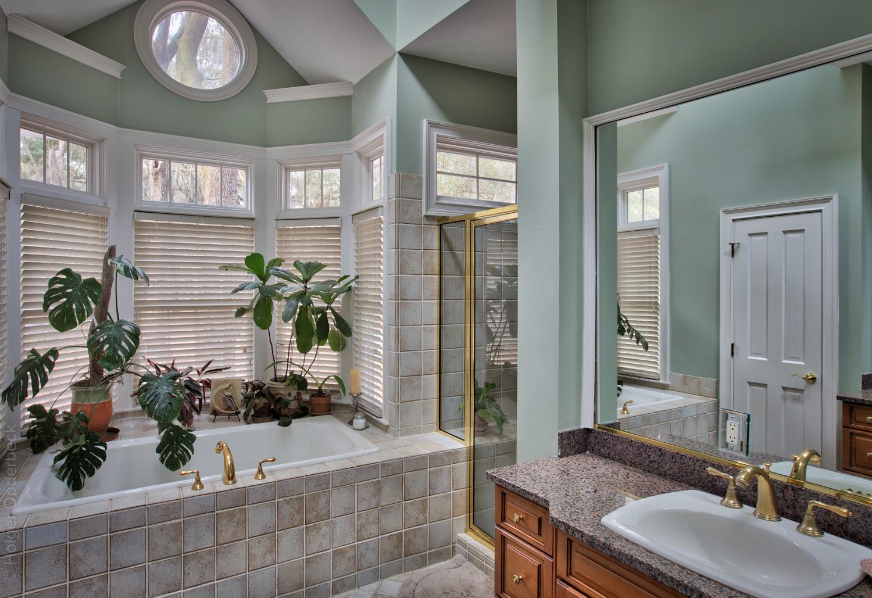 210 master-bath-side.jpg