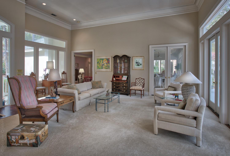 090 living-room.jpg
